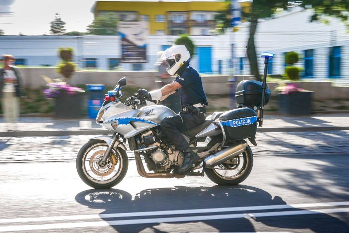 Policja Będzin: Jednośladem bezpiecznie do celu, uważaj na rowerzystów